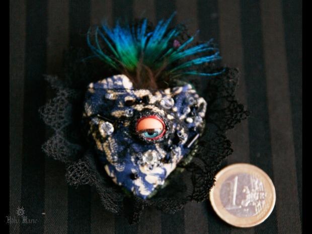 broche bijou unique oeil bleu Holy Mane