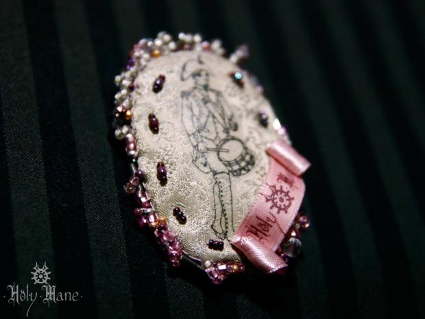 broche bijoux revolutionnaire
